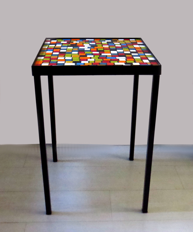 Mesas De Mosaico. Mosaico De Azulejos Decoram Paredes E Mesas. Mesa ...